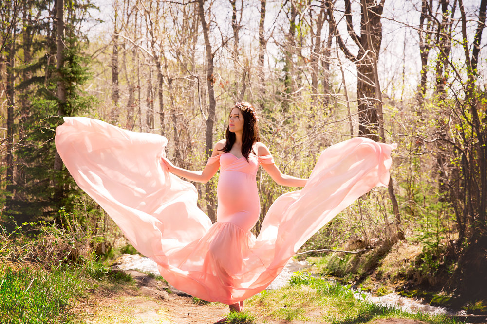 Beautiful mom-to-be in a gorgeous pink gown. Calgary Maternity Photographer. Milashka Photography