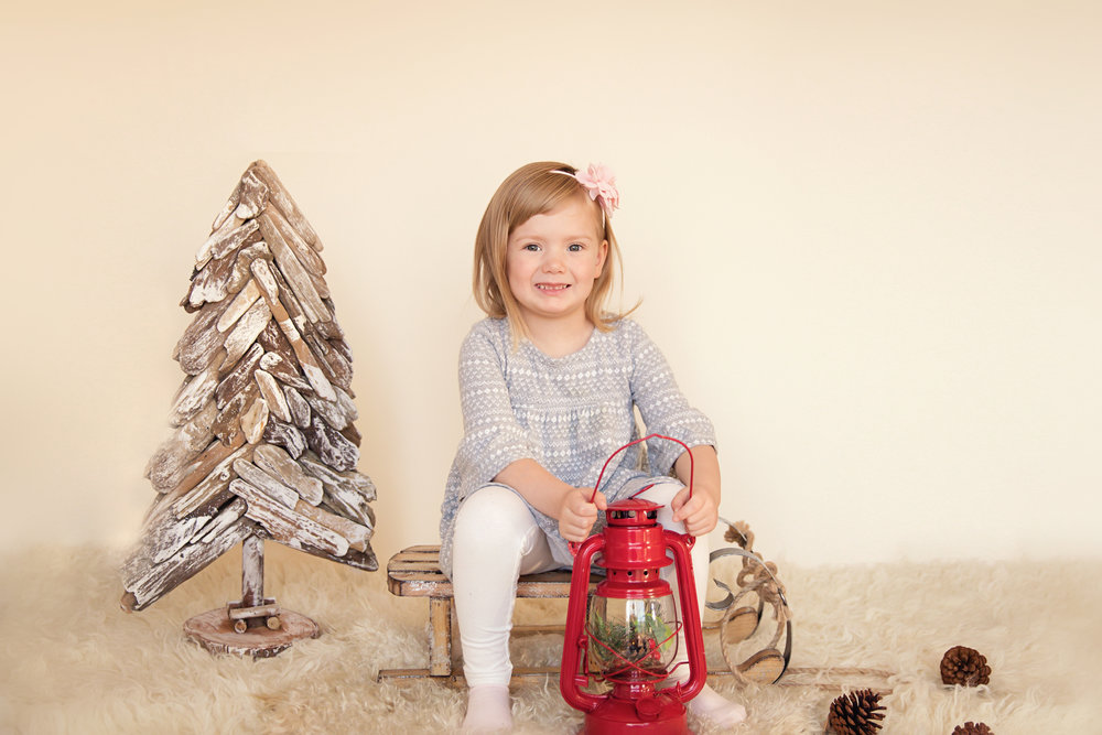 Christmas inspired photoshoot. Love neutrals. Calgary photographer. Milashka Photography