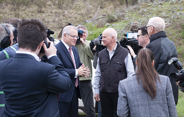 Gary Nairn AO (right) welcomes Prime Minister Scott Morrison to Mulloon Creek Natural Farms.
