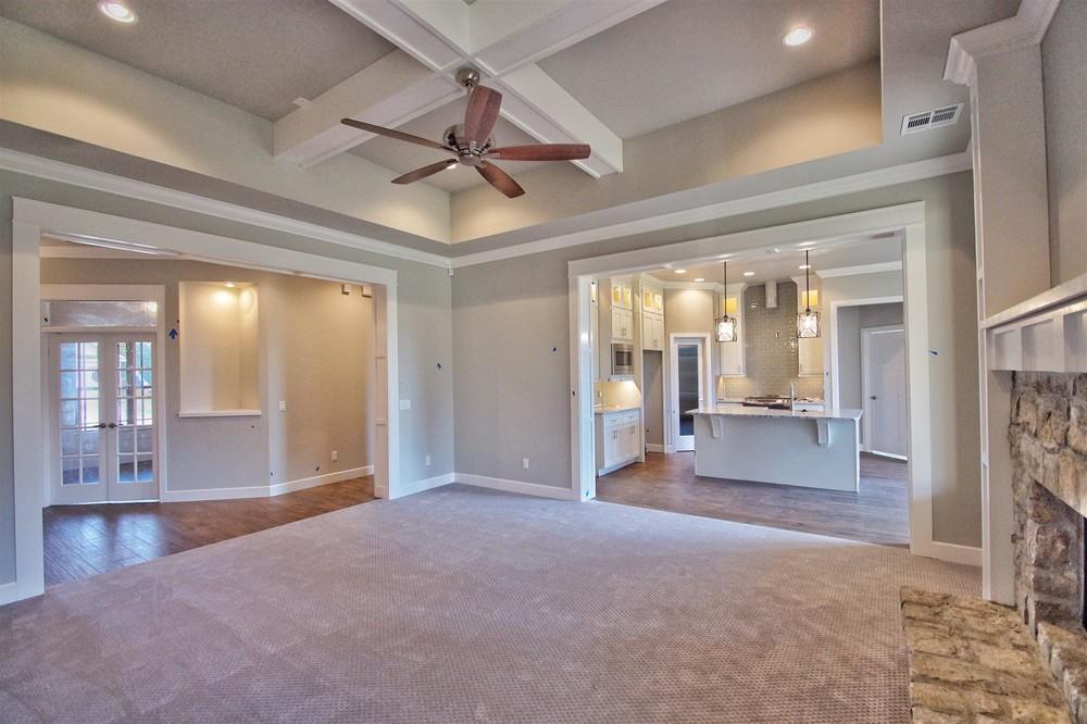 2 - Living area.jpg