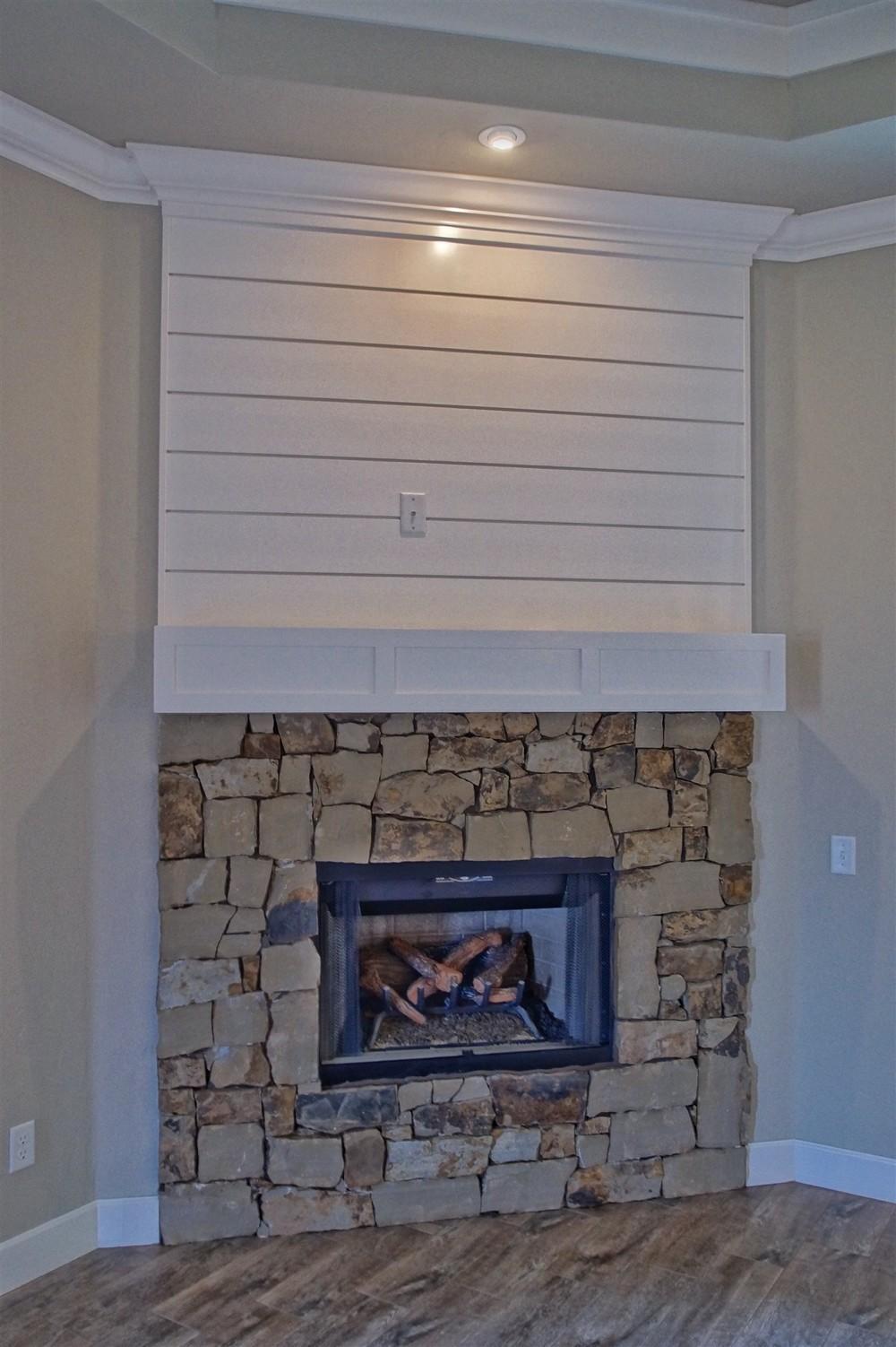 14 - Fireplace.jpg
