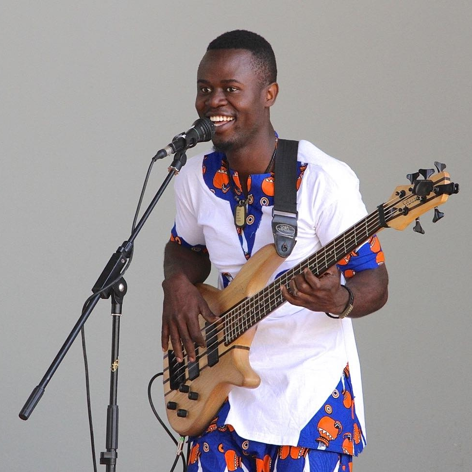 ABASI MKOMWA - Abasi began learning to dance traditional dances while in primary school, and then continued at the Parapanda Theatre Lab Trust, Baba Watoto Centre, Dogodogo Centre, and Music Mayday. He plays bass, guitar and drums, and has performed at many different festivals including DoaDoa, Bayimba and Sauti za Busara.