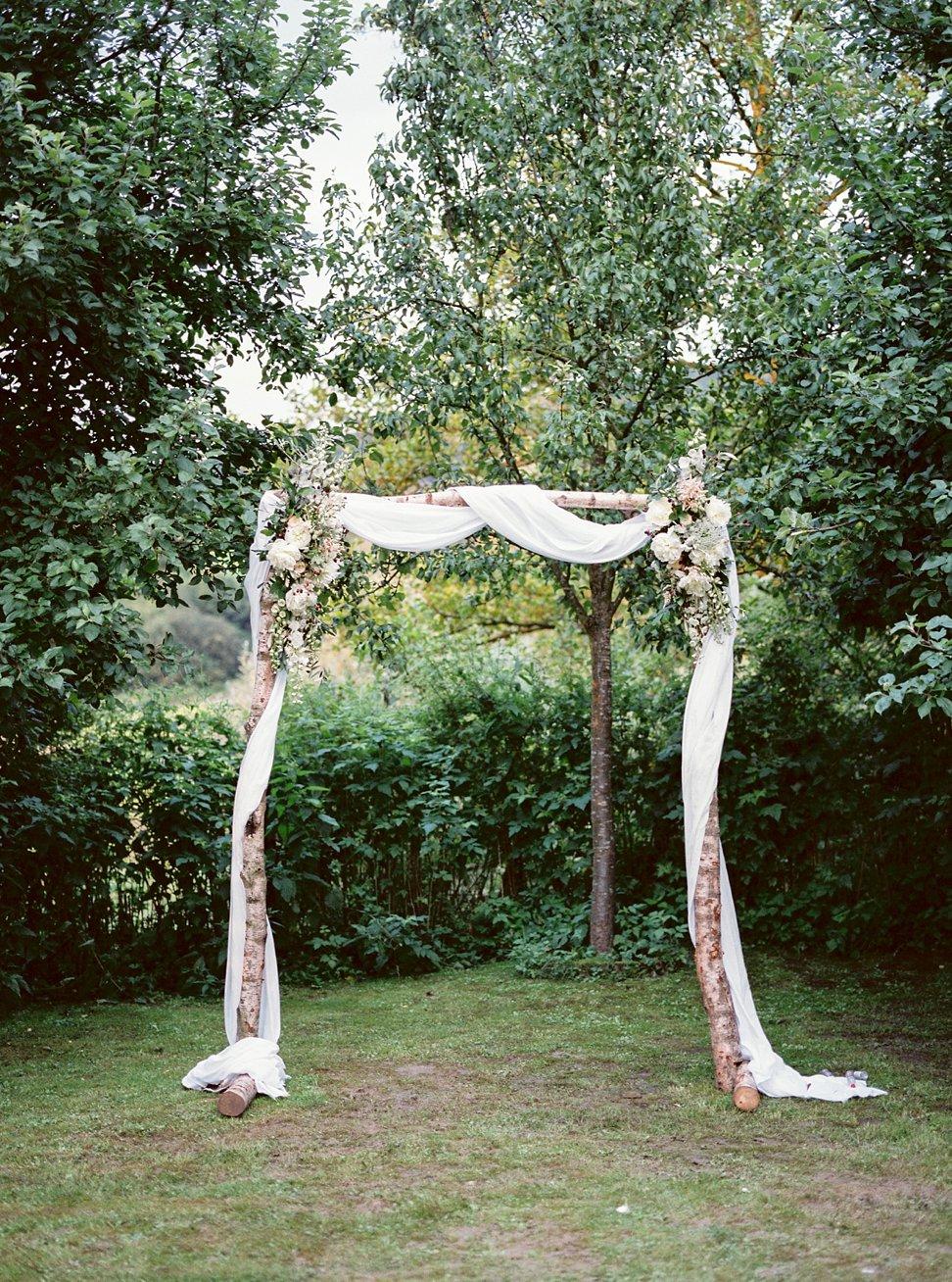 Amanda-Drost-photography-wedding-bruioft-zuid-limburg-hoeve-vernelsveld_0030.jpg
