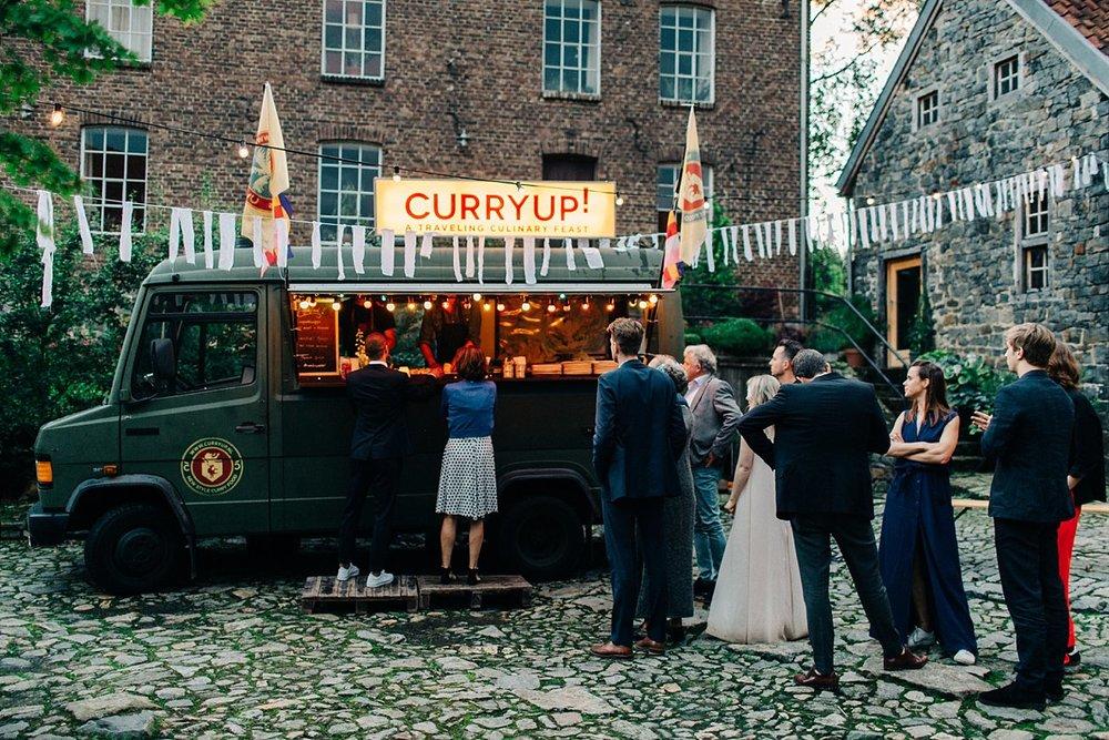 Amanda-Drost-photography-wedding-bruioft-zuid-limburg-hoeve-vernelsveld_0049.jpg