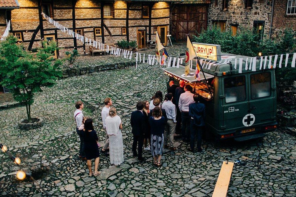 Amanda-Drost-photography-wedding-bruioft-zuid-limburg-hoeve-vernelsveld_0050.jpg