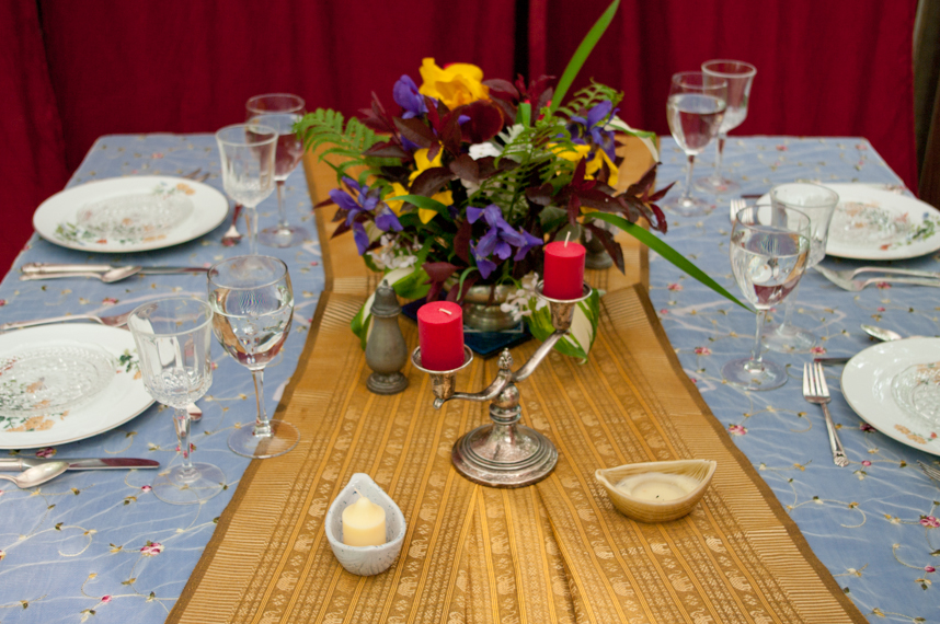 Setting the table | Erin Beutel Photography