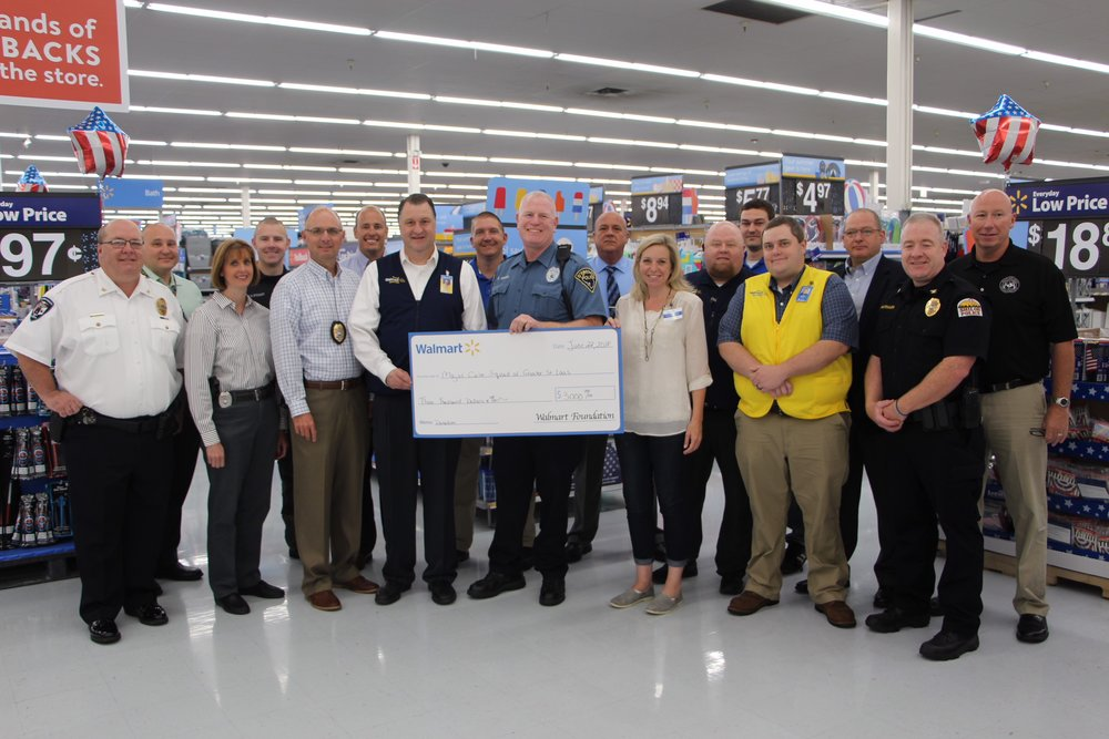 Wal-Mart Regional Director of Asset Protection Presents Donation