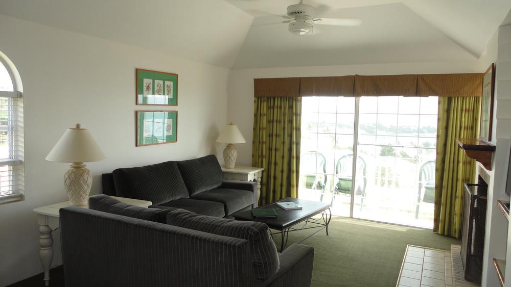 Cottage 58 - Living Room.JPG