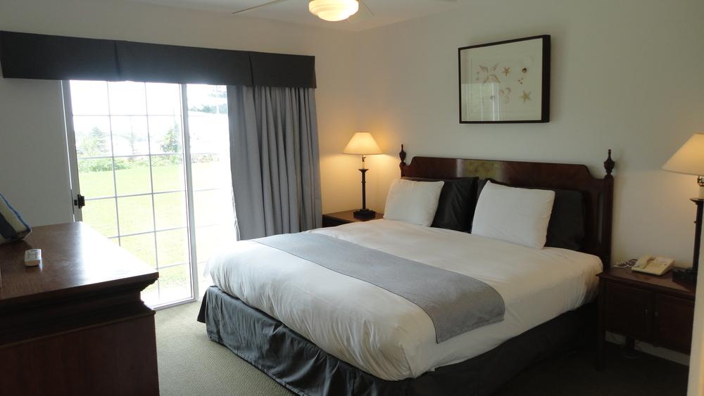 One-Bedroom Master.JPG