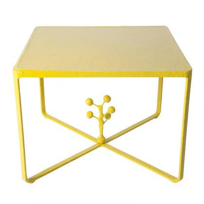 Emille-Table