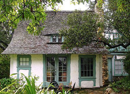 The-fairytale-cottages-of-carmelbythe-sea