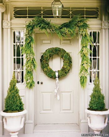 Martha_Stewart_Moss_Wreath