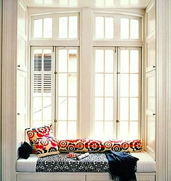 Amazing Domino Window Seat