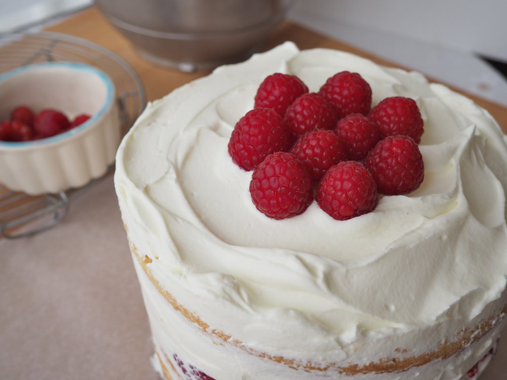 raspberry-mascarpone-layer-cake
