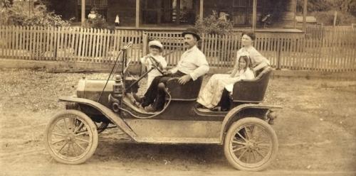 Family Old Car.jpg