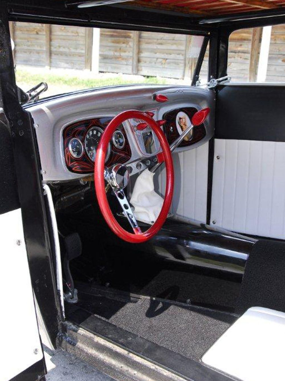 1927-ford-coupe-interior.jpg