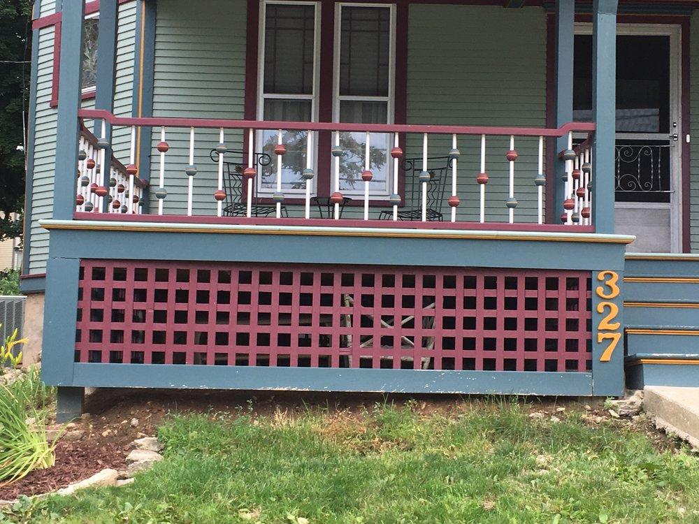 Chicago 327 W porch.JPG