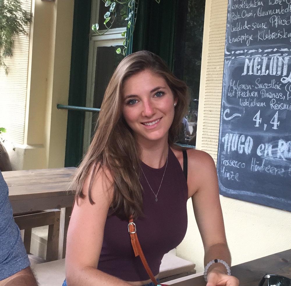 Nicole Laszdlo<br>Writer