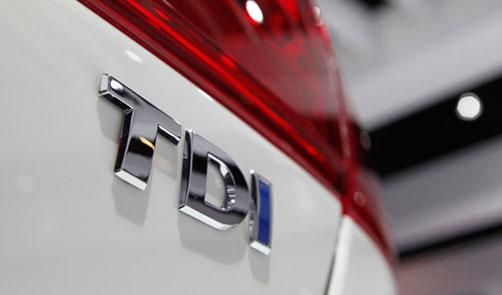 2013-Volkswagen-Jetta-TDI-Badge.jpg