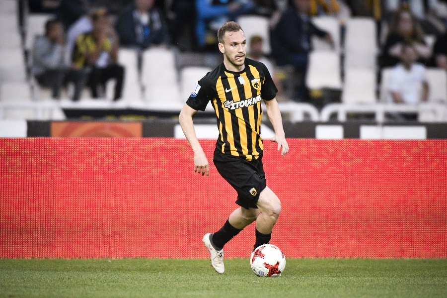 Right-back Honorable Mention  Leo Matos (PAOK)  Another consistent campaign  for PAOK from their Brazilian stalwart. Matos impressed during 2016 17 and  was ... 1e37c7f4030