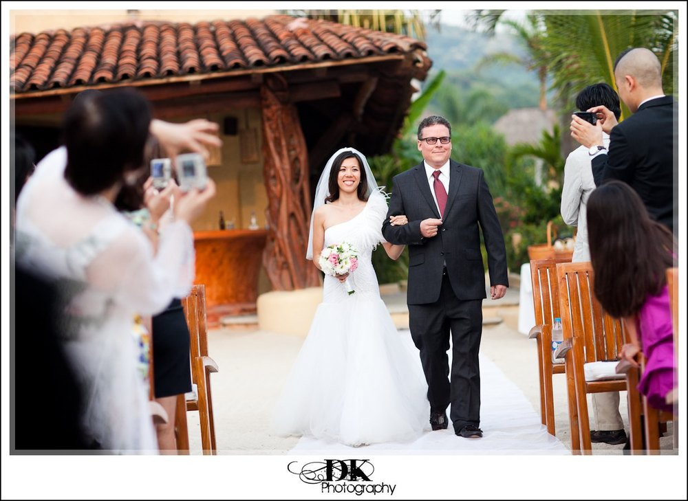 Albertina-Brian-009-32-The-Tides-Wedding-zihuantanejo-Mexico.jpg