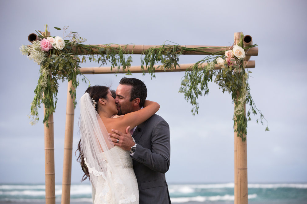 wedding hawaii beach photography 9.jpg