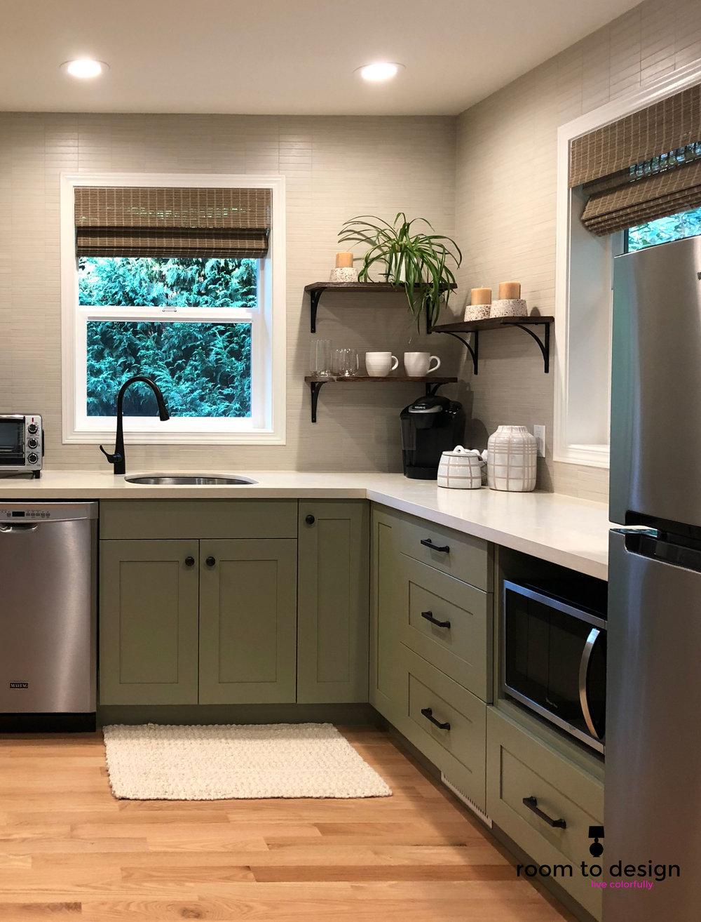 Woodinville_airbnb_kitchenette.jpg