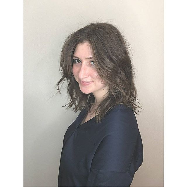 🌟Bright light🌟beauty through and through . . . . #truthbeautyandgoodness . . . . . . . . . . . . . . . #lob #razorcut #waves #nycstyle #nycbeauty #nychairstylist #greenbeauty #beautypositive #wellbeing #hair #hairstylist #hairdresser #hairstyling