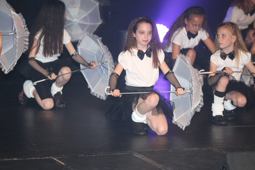 dance-stars-theatre-sho.jpg