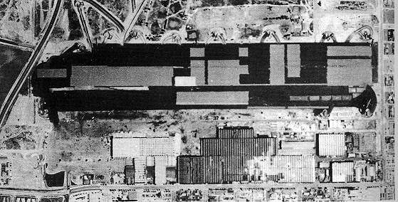 Figure 2    Aerial view,  Douglas Aircraft Facility, May 1942