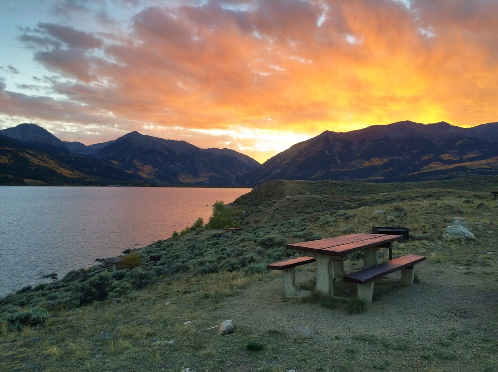 Day 1 ended at Twin Lakes where we caught an amazing sunset, enjoyed some fresh curry and gazed at the stars overhead.