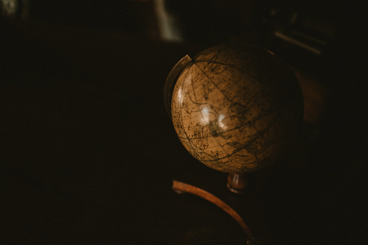 vintage globe at quex park wedding
