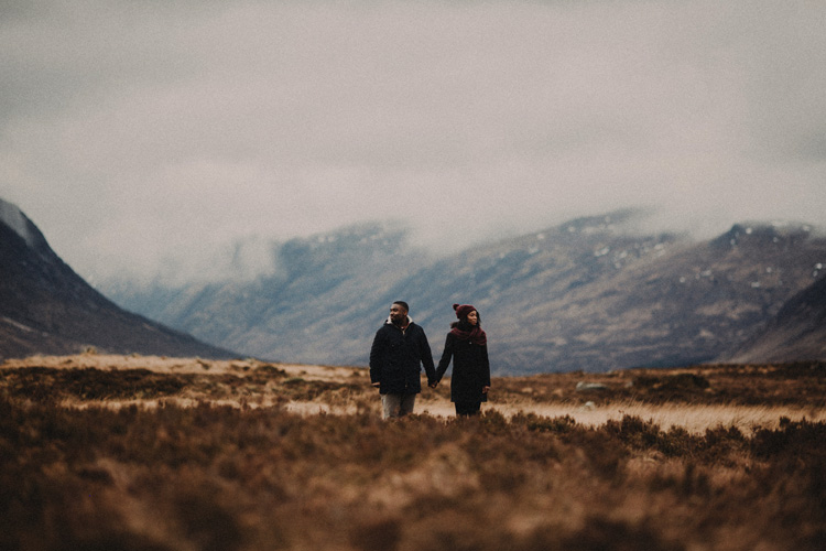 couple hold hands in glencoe engagment