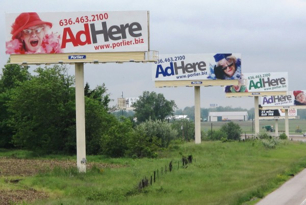 Billboards_on_Highway-600x402.jpg