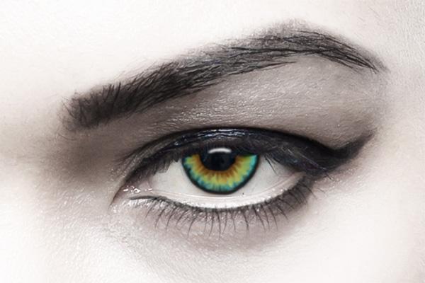 eye retouched