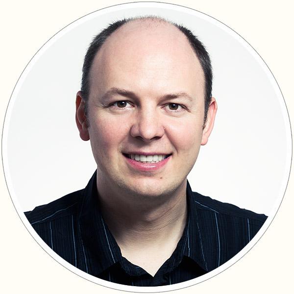 Petr Holusa headshot and portrait photographer