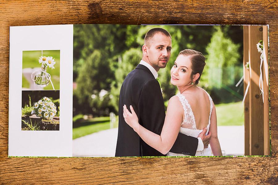 svatební album — vnitřek