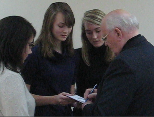 President Mikhail Gorbachev and Ainoha 2.png