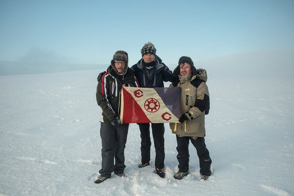 Luc with Prof. Eric Crubezy and Alexeï Tikhonov (r.) on top of Jeannette Island in the East Siberian Sea