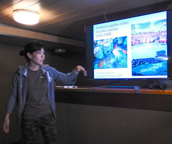 Larisa Shelokhovskaya, a senior biologist at the Ministry of Natural Resources of Yakutia enlightened us all about the richness of    Yakutian    fauna and flora, but also about the cleaning work from past pollution which remains to be done, especially on the Arctic coast.