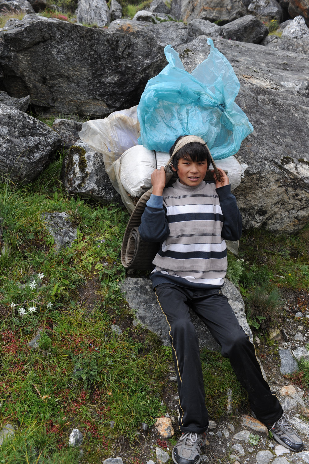 Young sherpa: 13-year old, already carrying 30 KG.