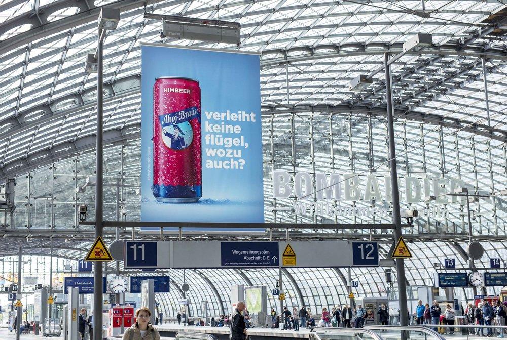 Ahoj_Dose_Bahnhof_pink_kl.jpg