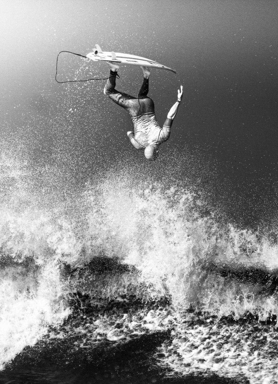 surf4living :     the slater showdown   ph: mattias hammer