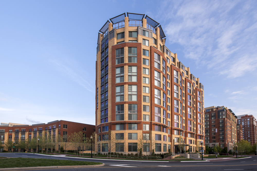 Post Carlyle Square Apts Exterior Image-141316.jpg