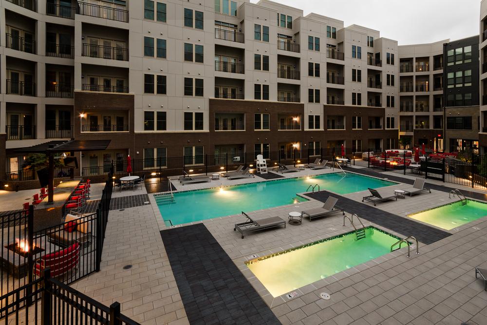 Bell-Del-Ray-Pool-Courtyard-1-6112014.jpg