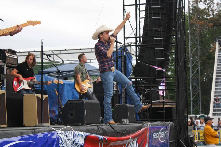 Justin Moore - Courtesy of SRO