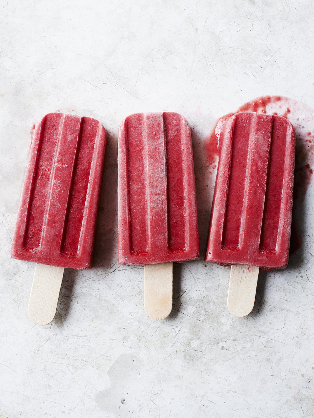 CH6_07_RASPBERRY_YOGURT_POPS_557.jpg