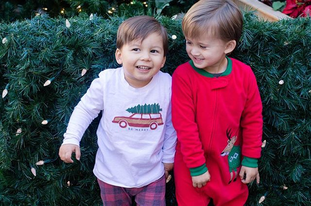 These two love to keep us on our toes and I wouldn't have it any other way❤️ ・ ・ ・ ・ ・ #family #cousins #love #canon #photography #holidays #christmas #santa #merrychristmas #bittybdesign #camplightapparel #brandrep #sandiego