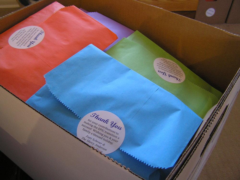 gift bag box.JPG