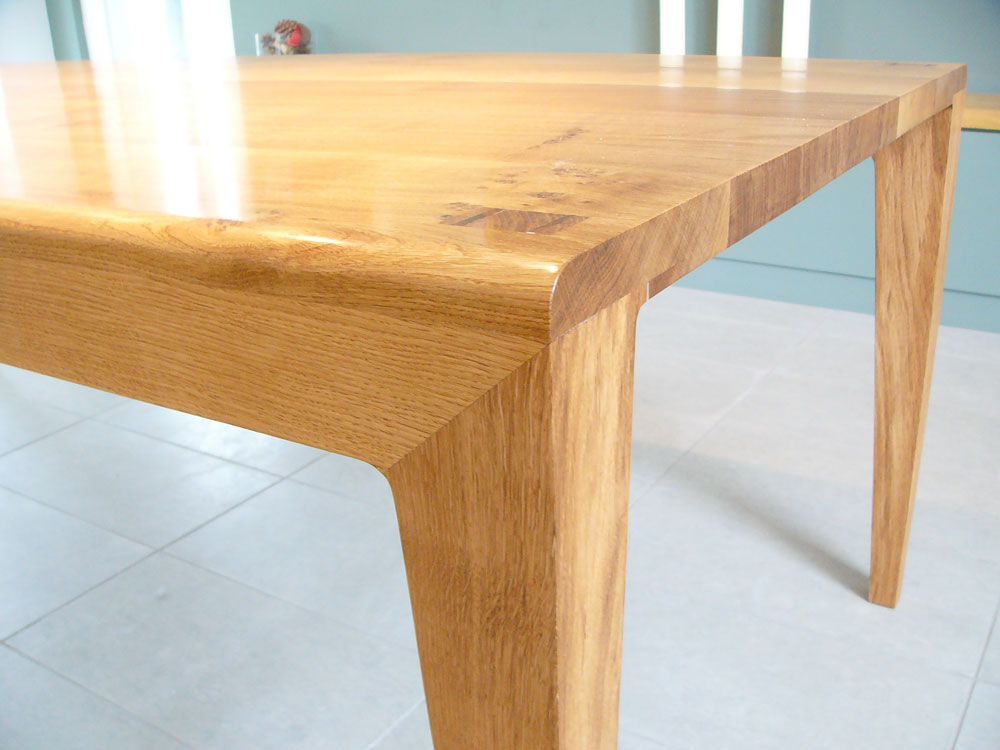 smith_table_detail_.jpg
